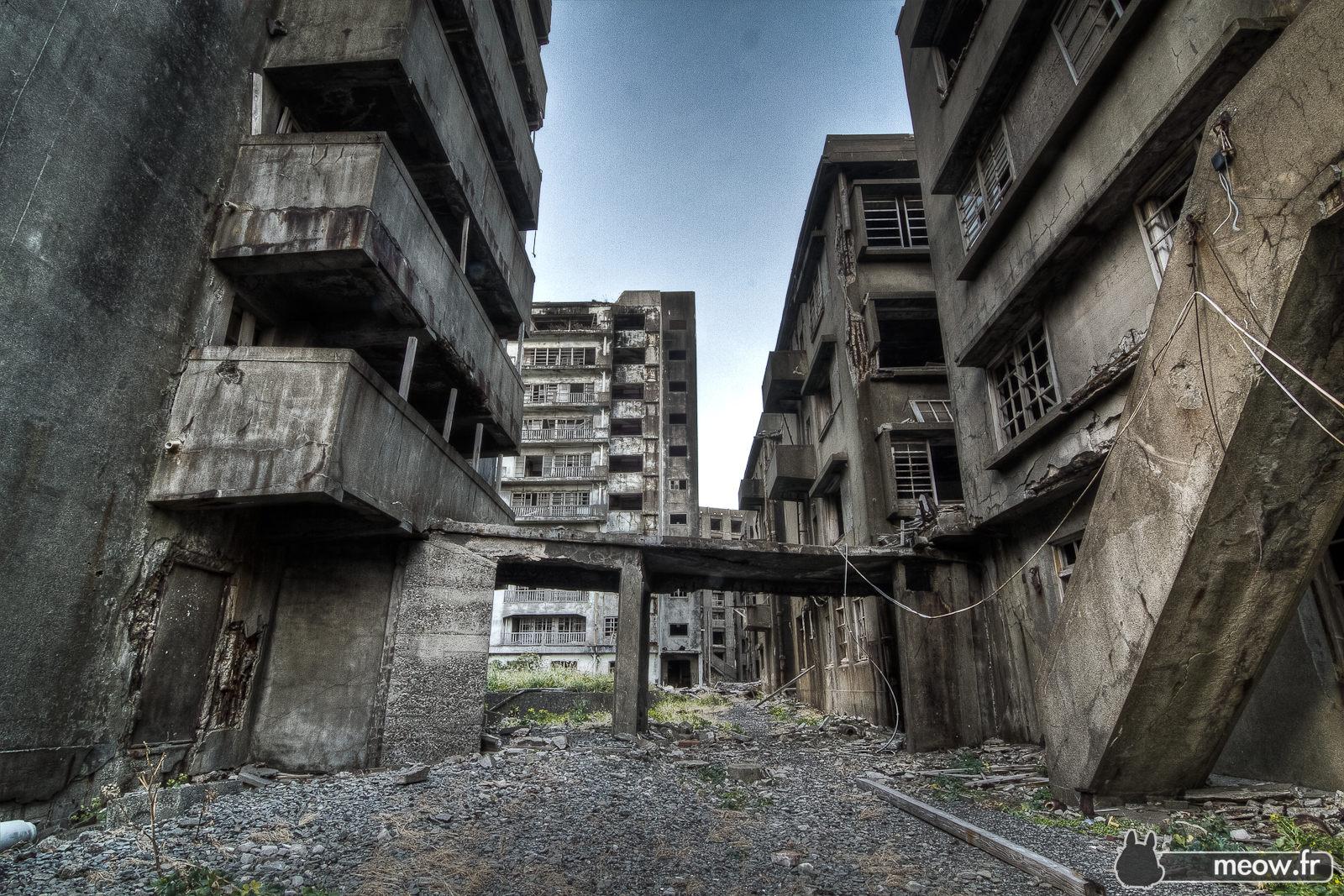 finestre rotte case vuote� ghost town � plutonia publications