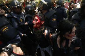 Reparti antisommossa in azione nelle Asturie (luglio 2012).
