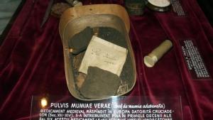 Mummy powder 2