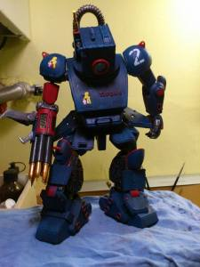 Action Figure del robot Tifone del Regio Esercito Italiano. Realizzata da Dino Gargano.