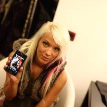 "Debora promuove ""Grifo"" - http://www.amazon.it/dp/B00ONXTRU4"
