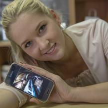 """Kateryna C promuove """"Il Treno di Moebius"""" (http://www.amazon.it/dp/B00L6ZW6AA)"""