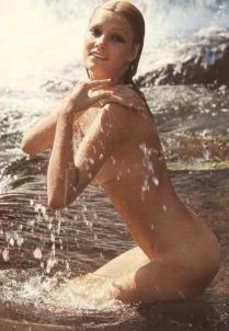 Janet Agren 9