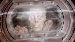 Zombie conservati sotto triossina. Pericolosissimi!