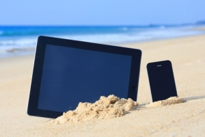 ipad-iphone-beach