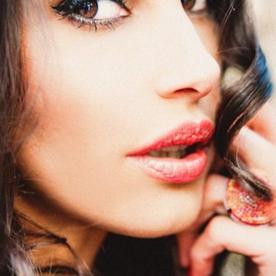 Janina Youssefian 8