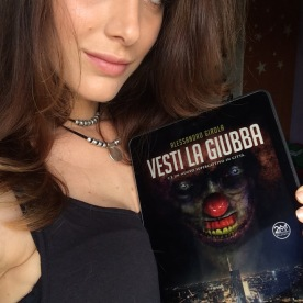 "Sadie Gray promuove ""Vesti la Giubba"" (http://www.amazon.it/dp/B01F5KXJHK)"