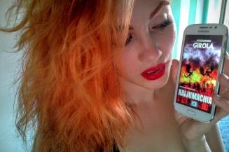 """Bloody Betty promuove """"Kaijumachia"""" (http://amzn.to/2b1UQP9)"""