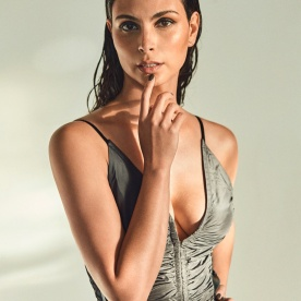 morena-baccarin-sextastic-gq-mexico-10-3ef606cd
