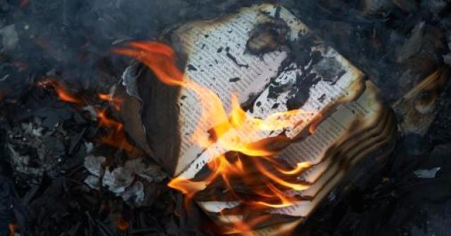 bruciare-libri