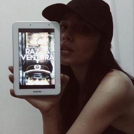 """Jessica Fiammetta promuove """"Razza Ventura"""" (http://amzn.to/2o1Vtk6)"""