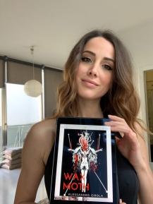 "Sadie Gray promuove ""Wax Moth"" - https://amzn.to/2EbGlHA"