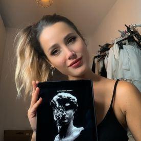 "Sadie Gray promuove ""Doppelnautica"" - https://amzn.to/39LcdC1"